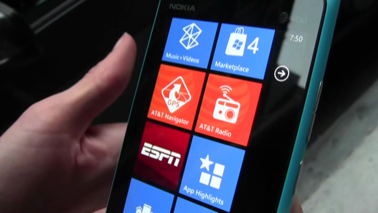 The Nokia Lumia 900 - Windows Phone Demo