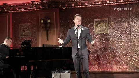 Seth Sikes at Feinstein's 54 Below Holiday 2019