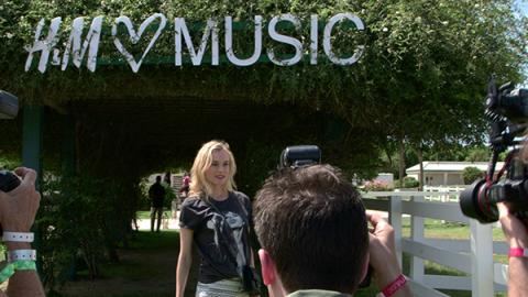 EXCLUSIVE COACHELLA POOL PARTY - H&M LOVES MUSIC