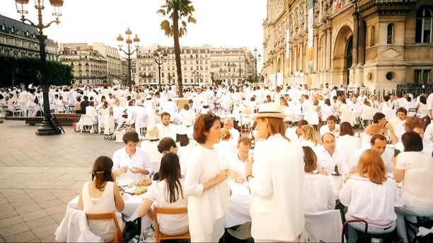 Diner En Blanc Paris (Dinner in white) 2017