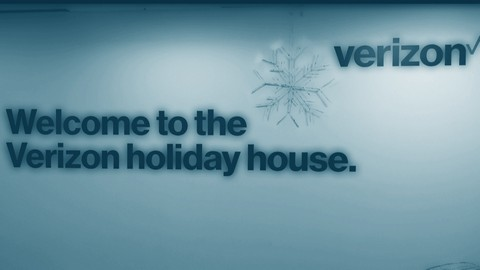 Verizon Holiday House 2017