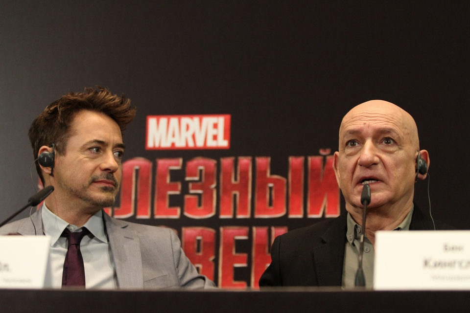 Robert Downey Jr. and Sir Ben Kingsley - IRON MAN 3 New Moscow Footage
