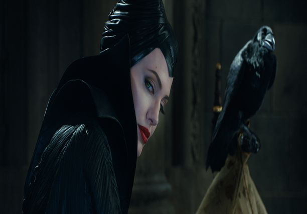 Interview with Angelina Jolie - MALEFICENT Featurette