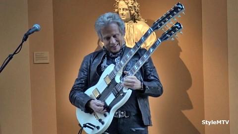 "Don Felder plays ""Hotel California"" at the Met"