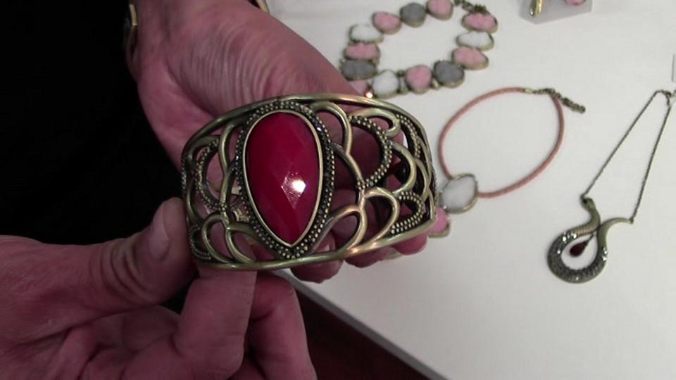 FALL/WINTER 2013 PREVIEW - GLITTERRINGS Jewelry Showroom